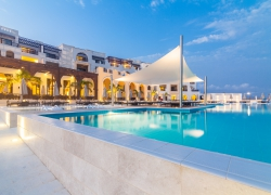 Oman_Fanar_Pool_1