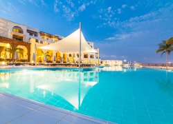 Oman_Fanar_Pool_2