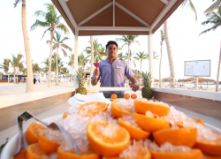 Fanar_hotel_beach_refreshment_oman