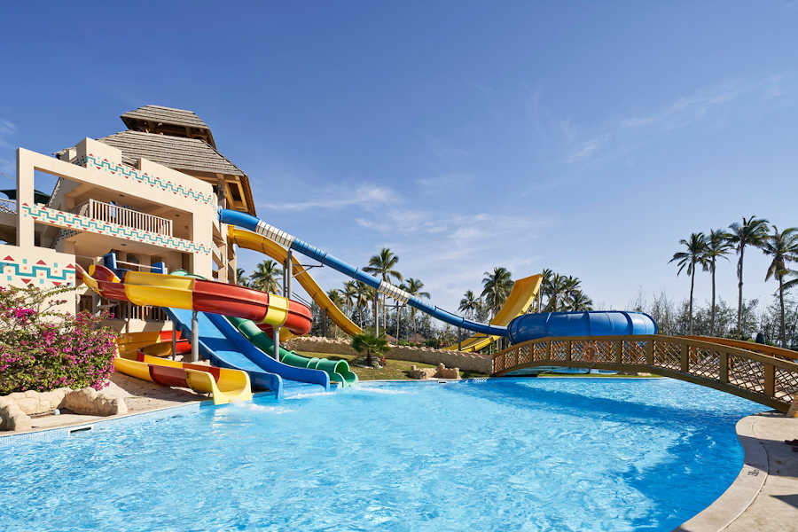 Aqua park sliders in Hawana aqua park in salalah for Omani nationals and residents in Oman